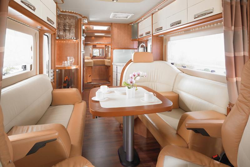 Kempingowy Autobus Z Garażem Camprestcom